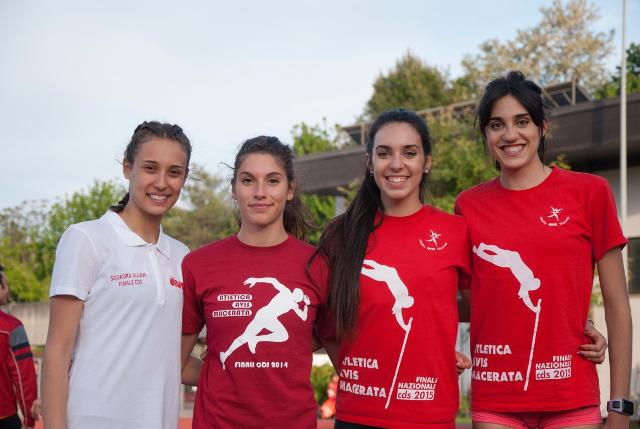 4x400 femminile con Gallucci, Del Gatto, Elisabetta ed Eleonora Vandi - foto Maurizio Iesari
