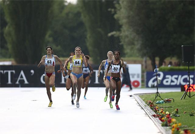 Eleonora Vandi vincitrice della batteria degli 800 m - foto Colombo FIDAL